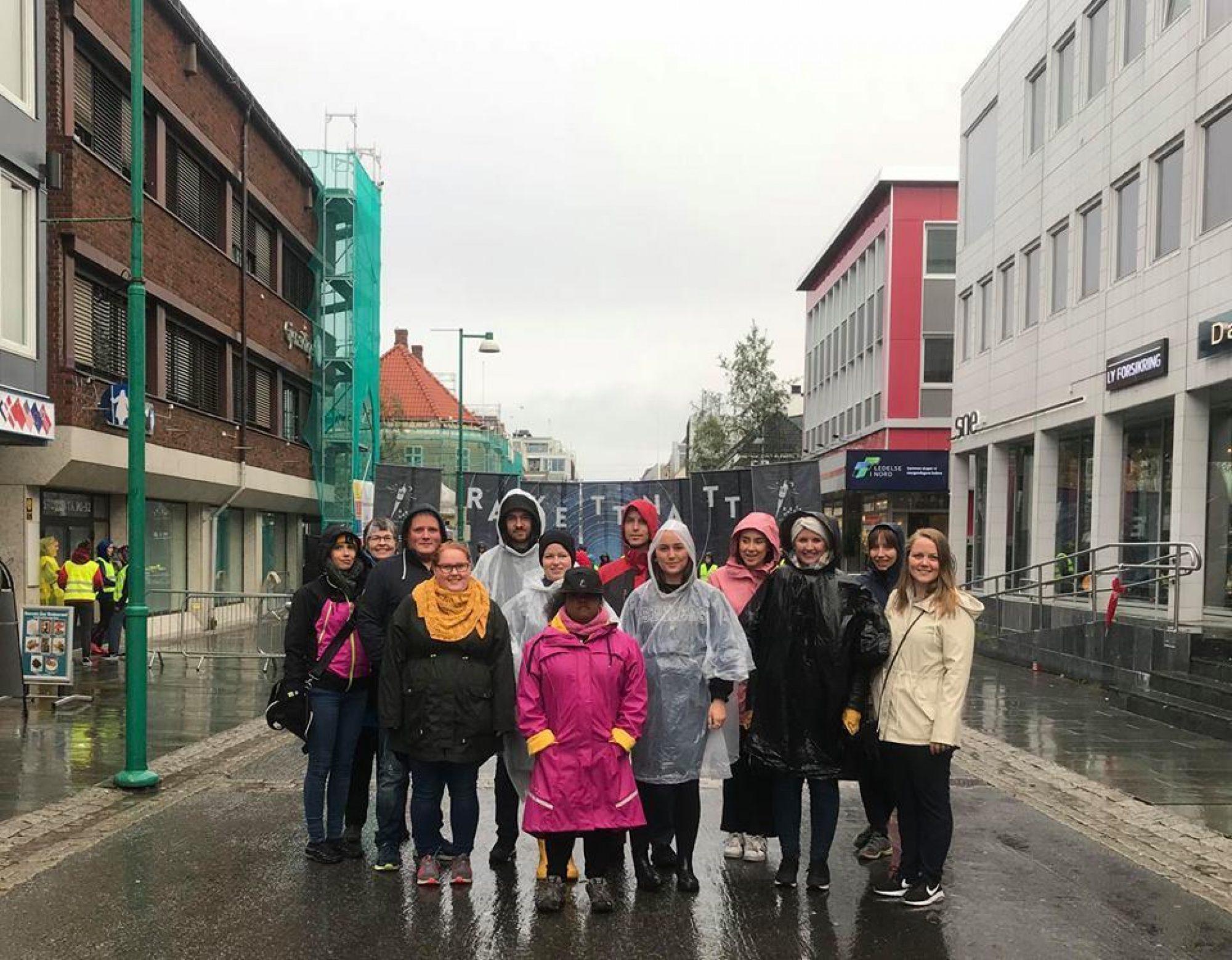 deltagere i regnet
